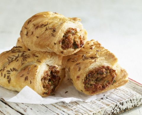 Make and share sausage rolls at your community get-together and Big Lunch.