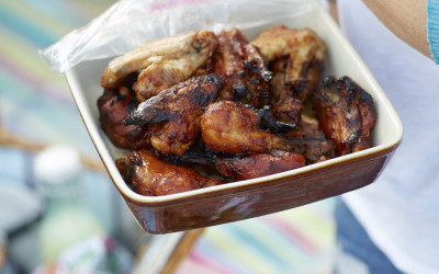 Alex Hollywood's Sticky Wings n' Drumsticks