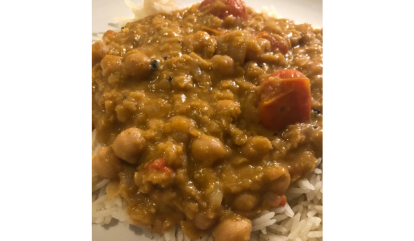 Chickpea and red lentil curry